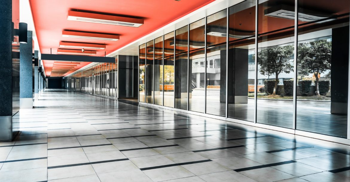 3 Signs that it's Time to Hire a Commercial Cleaning Service